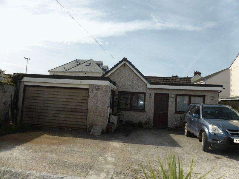 3 Bedrooms Bungalow for sale in Mount Wise, Newquay