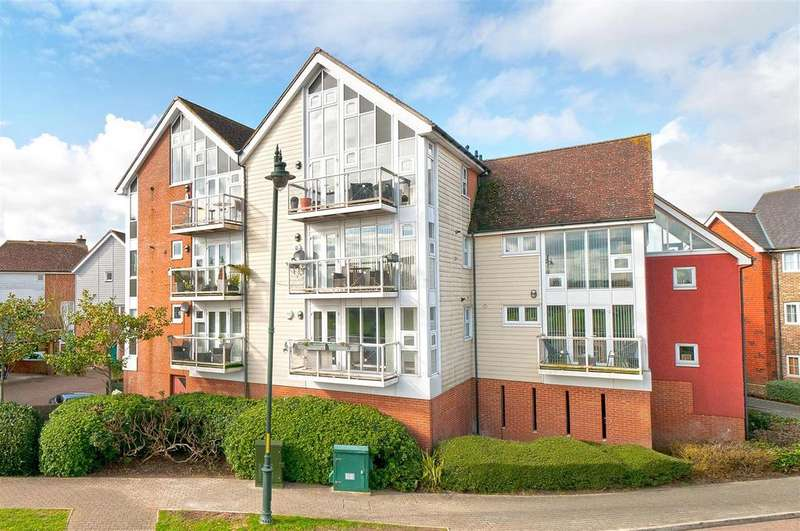 2 Bedrooms Apartment Flat for sale in Lindel Court, Kings Hill, ME19 4HQ