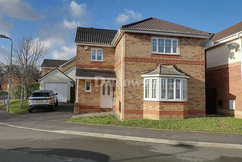 4 Bedrooms Detached House for sale in Woodruff Way, Thornhill, Cardiff, CF14