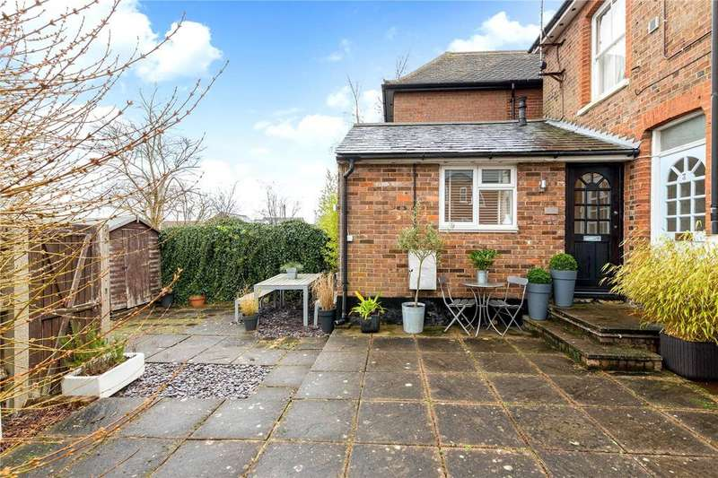 1 Bedroom Apartment Flat for sale in Stratford House, Queen Street, Tring, Hertfordshire, HP23