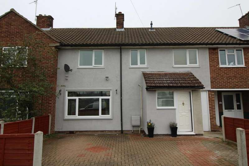 4 Bedrooms Terraced House for sale in Walnut Tree Way, Colchester, Essex, CO2