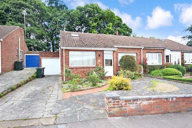 2 Bedrooms Semi Detached Bungalow for sale in Squires Way, Dartford