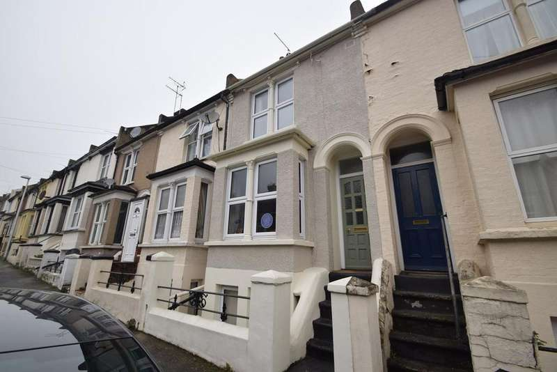 3 Bedrooms Terraced House for sale in Castle Avenue, Rochester, ME1
