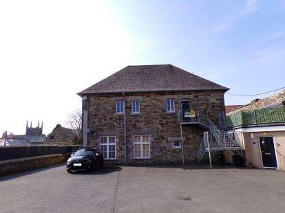 3 Bedrooms Flat for sale in Pound Lane, Bodmin, Cornwall