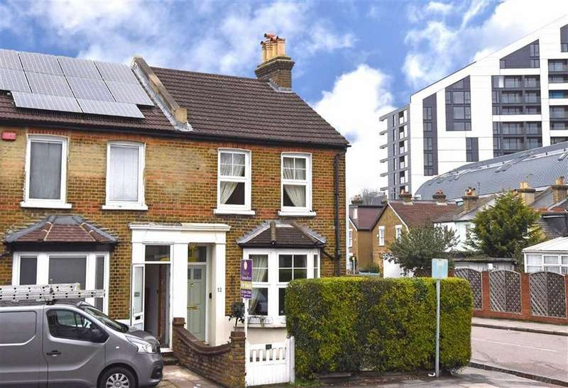 2 Bedrooms Semi Detached House for sale in Westmoreland Road, Bromley, Kent