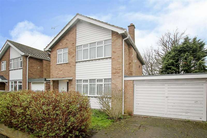 3 Bedrooms Detached House for sale in Goodwood Avenue, Hutton, Brentwood