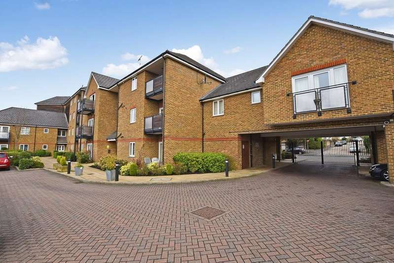2 Bedrooms Apartment Flat for sale in Epping New Road, Buckhurst Hill