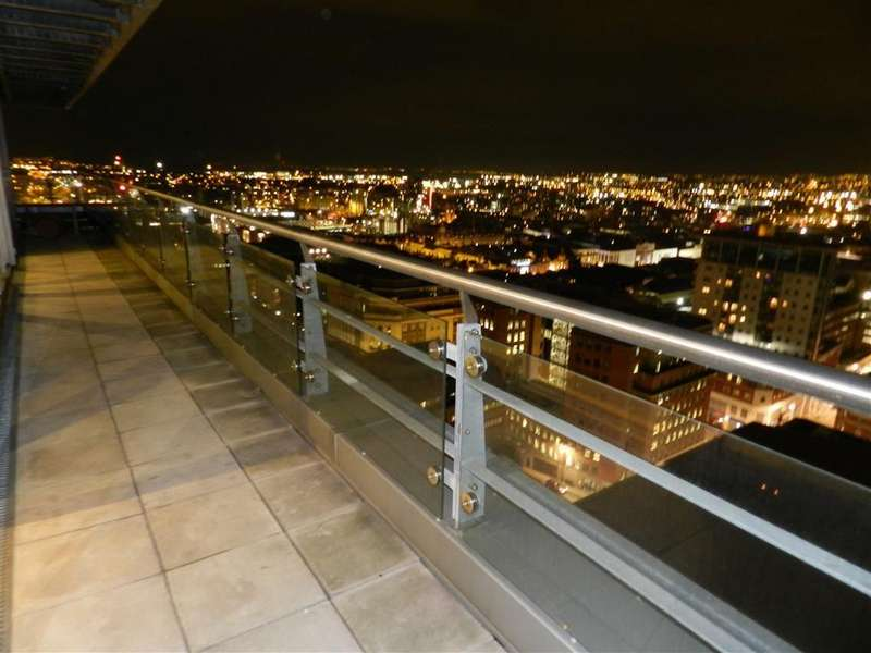 2 Bedrooms Flat for sale in Flat 85 K2, Leeds, LS2