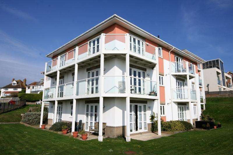 2 Bedrooms Apartment Flat for sale in Ocean Reach, 2 Newlands Road, Rottingdean, Brighton BN2