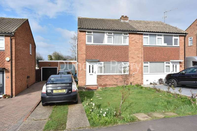 3 Bedrooms Semi Detached House for sale in Wellesley Crescent, Potters Bar