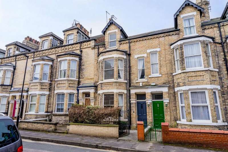4 Bedrooms Town House for sale in Claremont Terrace, York