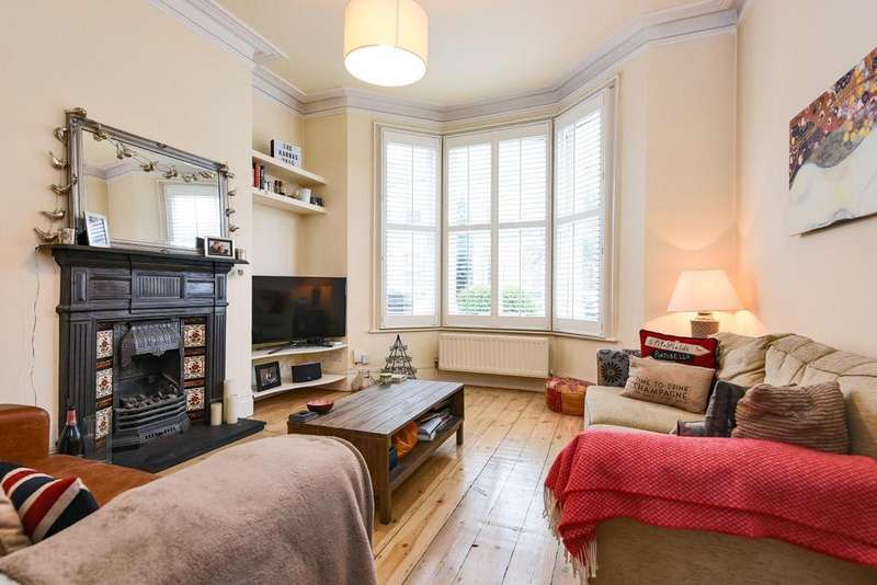 2 Bedrooms Flat for sale in Leander Road, Brixton