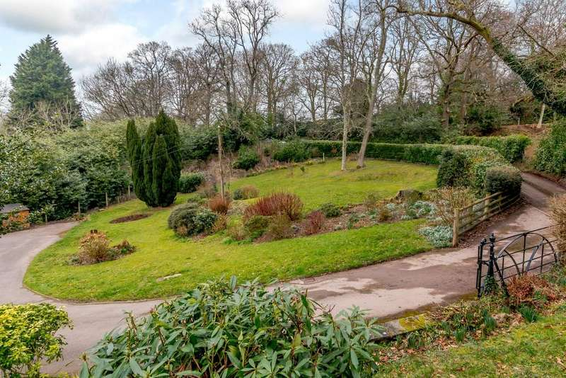 4 Bedrooms Detached House for sale in Haldon Hill, Kennford, Exeter, Devon