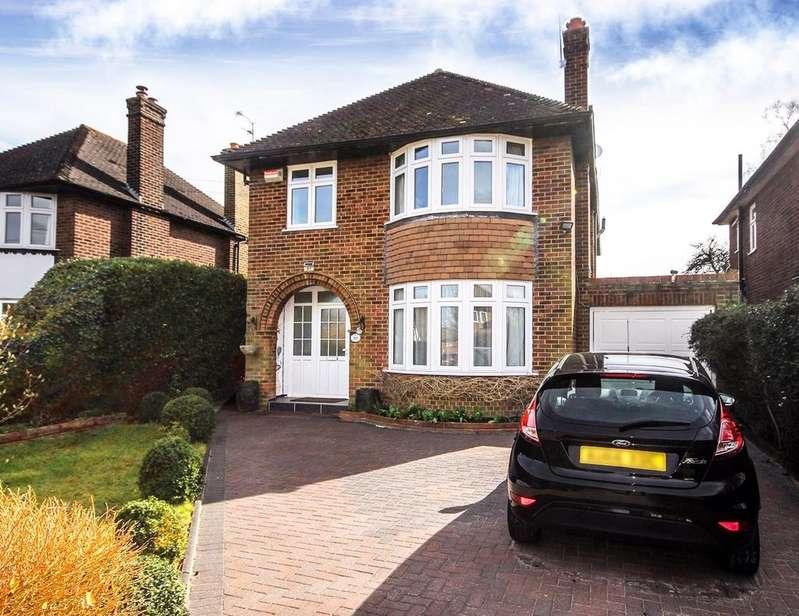 5 Bedrooms Detached House for sale in Whitethorn Lane, Letchworth Garden City, SG6