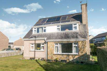 4 Bedrooms Detached House for sale in Bethel, Caernarfon, Gwynedd, LL55