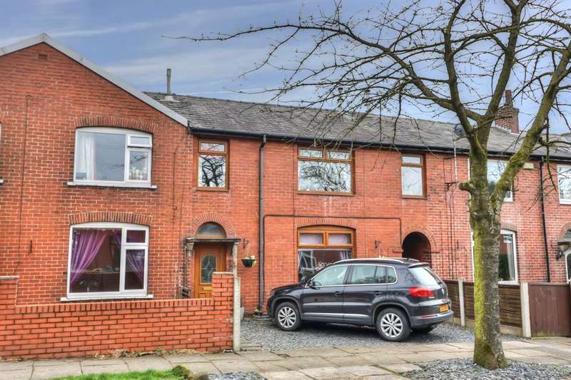4 Bedrooms Town House for sale in Calder Avenue, Littleborough, OL15 9JE