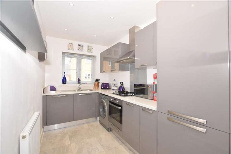 2 Bedrooms Semi Detached House for sale in Mallet Avenue, Maidstone, Kent