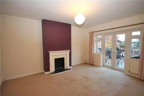 2 Bedrooms Maisonette Flat for sale in Coniston Court, Coniston Way