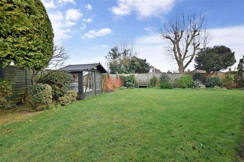 4 Bedrooms Bungalow for sale in Windlesham Gardens, East Preston, West Sussex