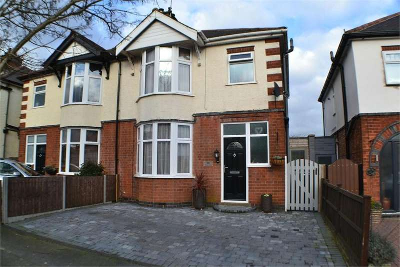3 Bedrooms Semi Detached House for sale in Woodland Road, Hinckley