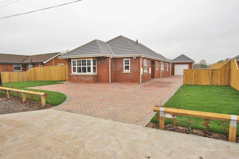 3 Bedrooms Detached Bungalow for sale in EASTFIELD LANE, GRIMOLDBY