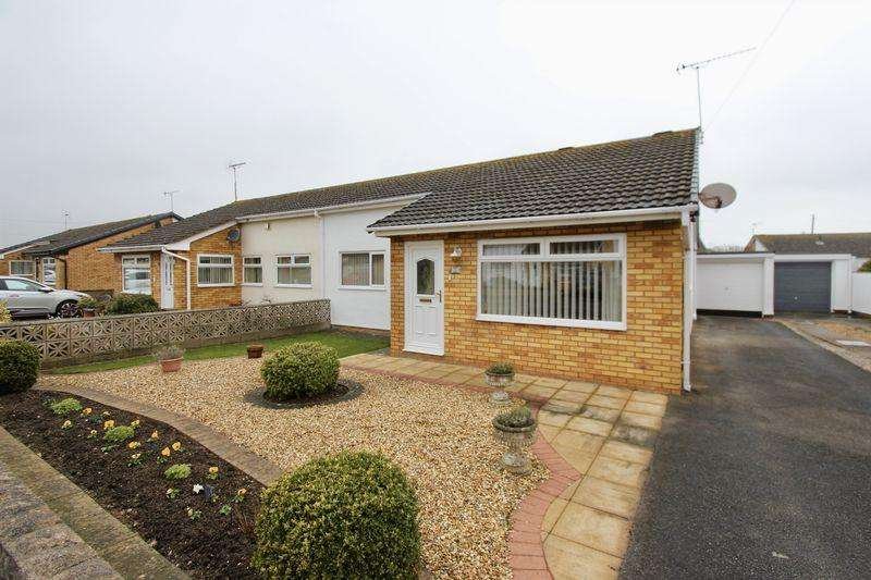 3 Bedrooms Semi Detached Bungalow for sale in Rochester Drive, Prestatyn