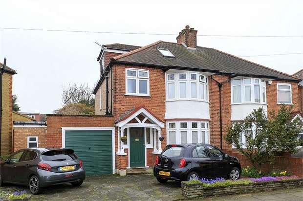 4 Bedrooms Semi Detached House for sale in Albury Avenue, Isleworth, Middlesex