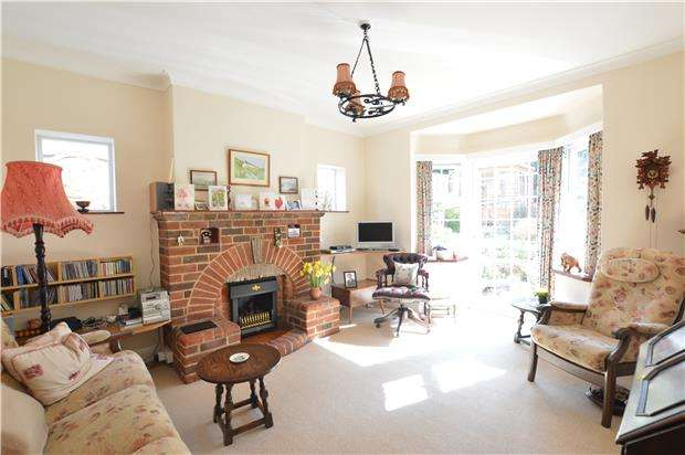 4 Bedrooms Detached House for sale in Pinewood Avenue, SEVENOAKS, Kent, TN14 5AF