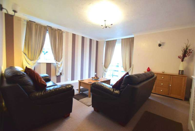 2 Bedrooms Apartment Flat for sale in Britannia Drive, Ashton On Ribble