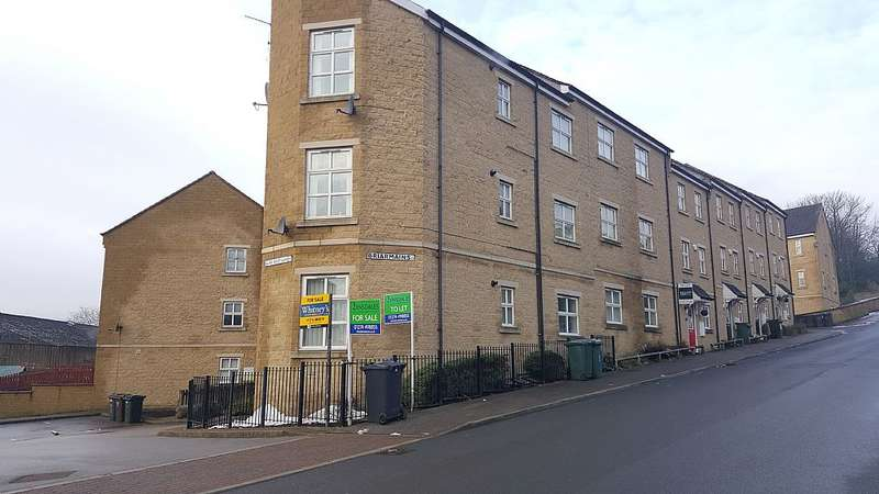 2 Bedrooms Apartment Flat for sale in Flat 5, 1 Briarmains, West Lane, Bradford, West Yorkshire, BD13 3JB