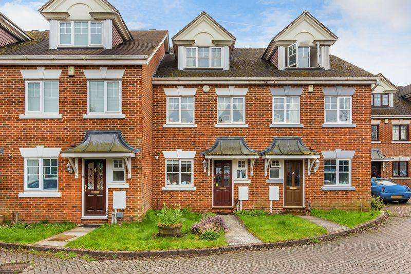 4 Bedrooms Town House for sale in Hanover Court, Guildford