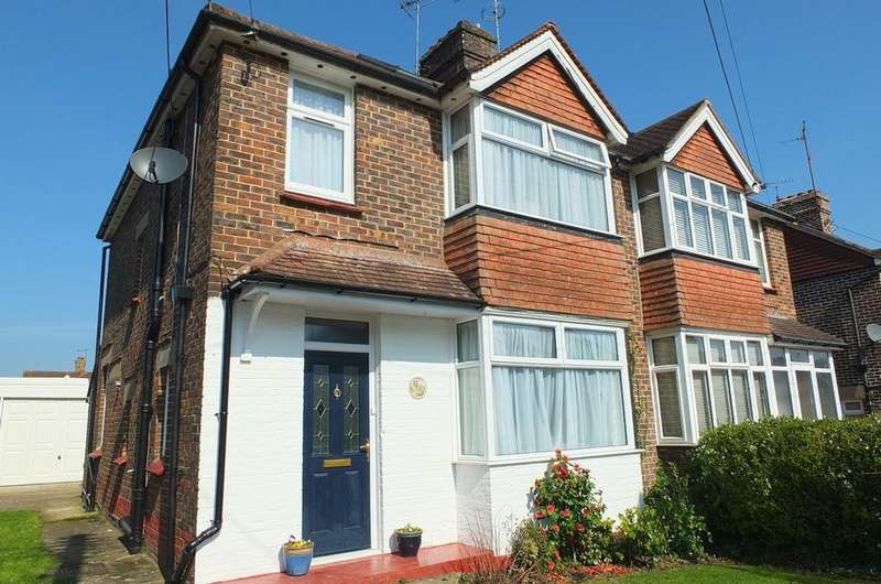 4 Bedrooms House for sale in Dellney Avenue, Haywards Heath, RH16