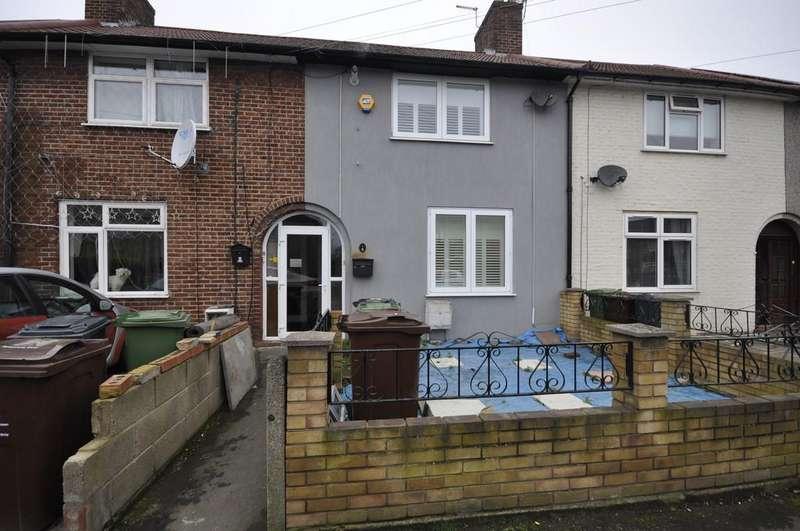 2 Bedrooms Terraced House for sale in Lullington Road, Dagenham