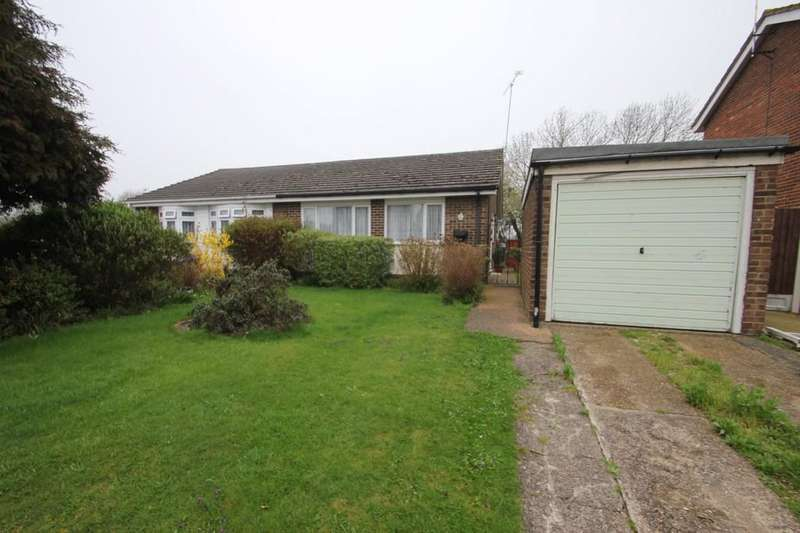 2 Bedrooms Semi Detached Bungalow for sale in Rectory Avenue, Rochford