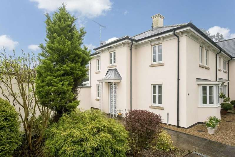 3 Bedrooms Mews House for sale in Campriano Drive, Warwick