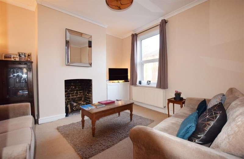 2 Bedrooms Property for sale in Hampton Road, Hampton Hill