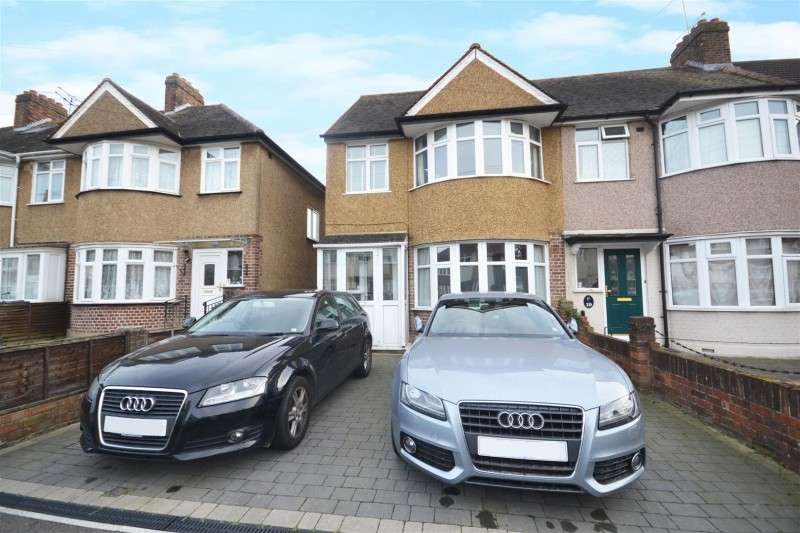 4 Bedrooms Property for sale in Elmer Gardens, Isleworth