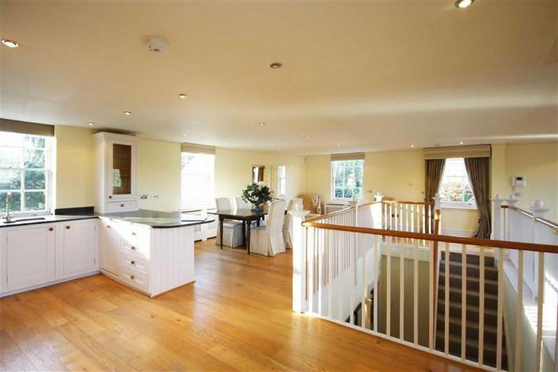 3 Bedrooms House for sale in Convent Close, Hadley Common, Hertfordshire