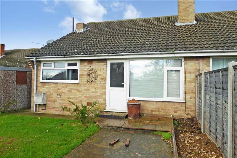 4 Bedrooms Semi Detached Bungalow for sale in Oakwood Road, Sturry, Canterbury, Kent