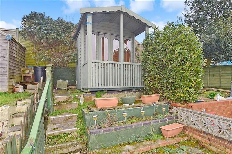 2 Bedrooms Terraced House for sale in Albert Street, Cowes, Isle of Wight