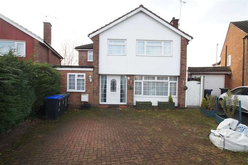 5 Bedrooms Detached House for sale in Fern Drive, Taplow