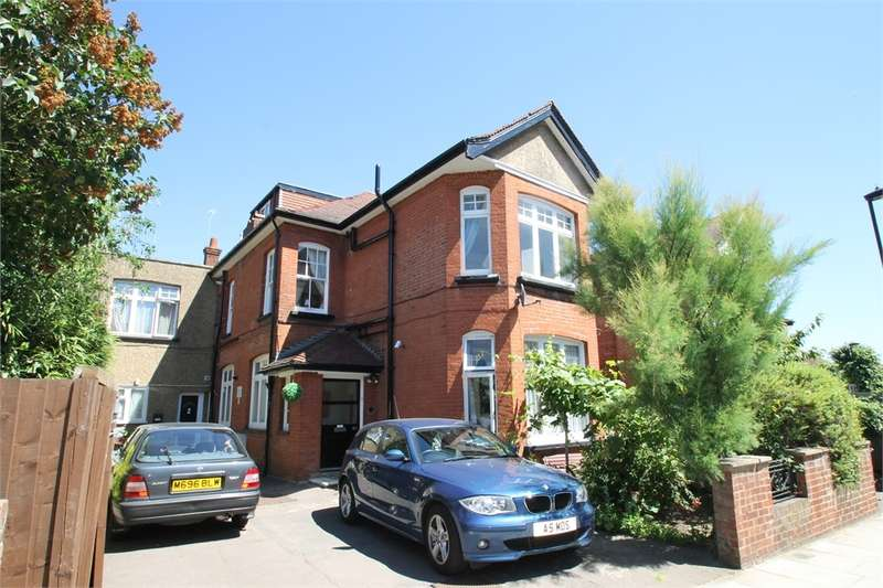 1 Bedroom Flat for sale in Elm Park Road, N21