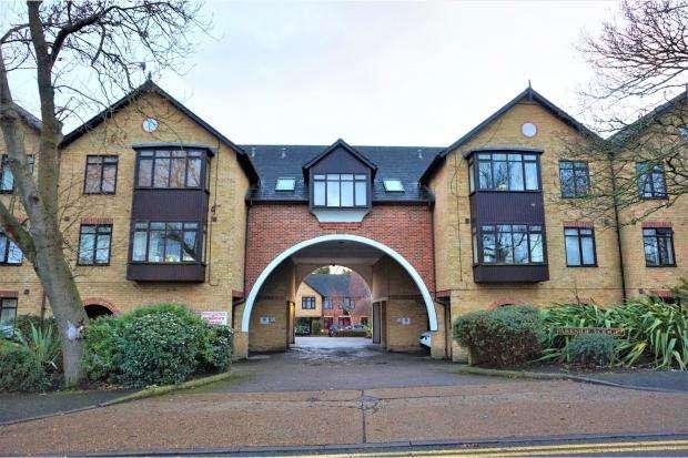1 Bedroom Flat for sale in Parkside Lodge, 101 Erith Road, BELVEDERE, Kent, DA17 6LE