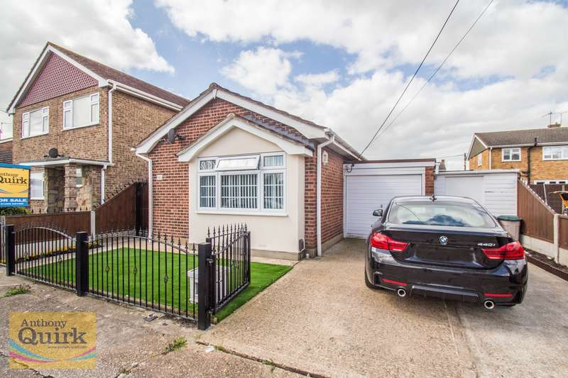 1 Bedroom Detached Bungalow for sale in Surig Road, Canvey Island, SS8
