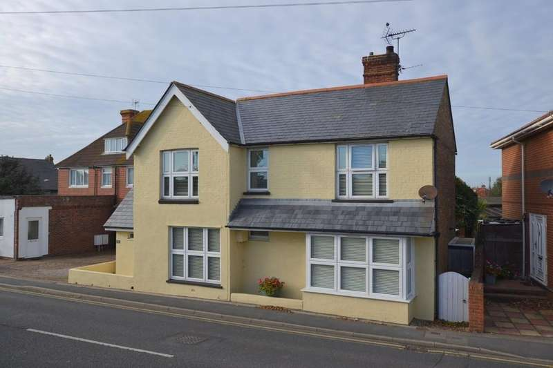 3 Bedrooms Detached House for sale in High Street, Dymchurch, Kent