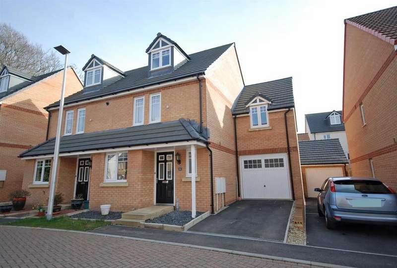4 Bedrooms Semi Detached House for sale in Buckland View, Bideford