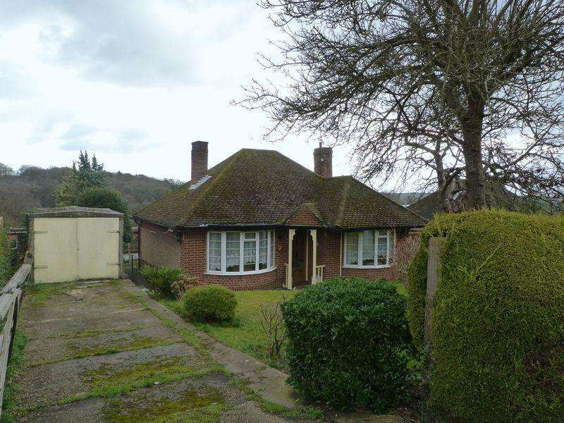 2 Bedrooms Detached Bungalow for sale in White House Lane, High Wycombe