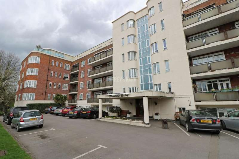 4 Bedrooms Apartment Flat for sale in Riverside Drive, Golders Green