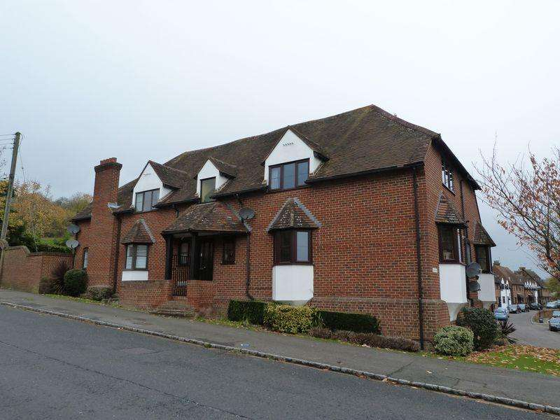 2 Bedrooms Apartment Flat for sale in Tudor Mill, Wooburn Green