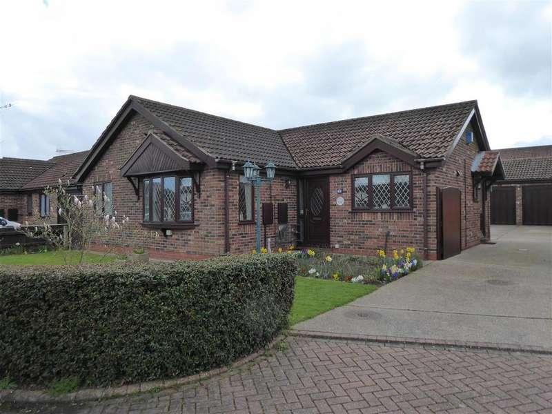 3 Bedrooms Bungalow for sale in Viscount Way, Humberston, Grimsby